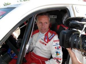 Foj atenent als mitjans a la etapa 4 del Dakar