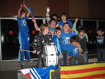 Els aficionat més joves del CFS Molins 99 han animat més que mai al seu equip