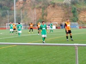 Andreu Margarit acompanyat d'un rival // Adrià Casaín