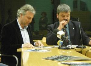 Víctor Puntas i Ivan Arcas presentant la memòria de mandat de l'anterior govern municipal // Laura Herrero