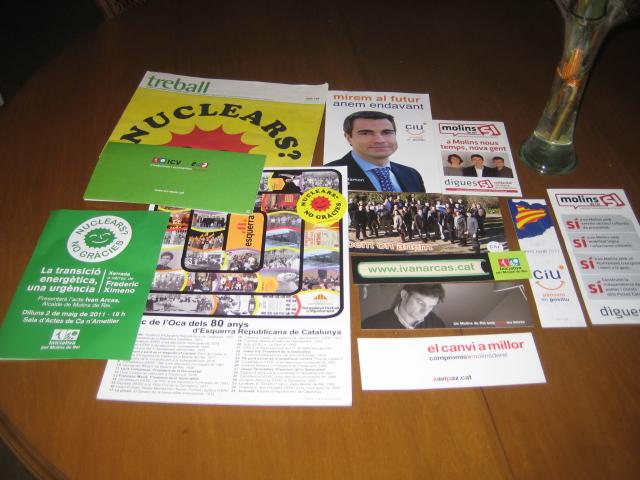 Recull de tots els obsequis repartits pels partits polítics // Jose Polo
