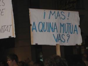 Algunes de les pancartes feien referència al President de la Generalitat // Jose Polo