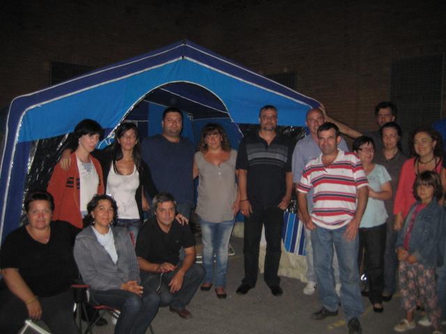 Els treballadors d'Eurotractil fan guàrdies a la fàbrica // Jose Polo