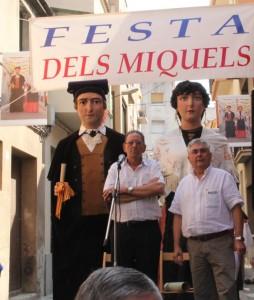Els Gegants Vells van acabar presidint la Festa dels Miquels // Jordi Julià
