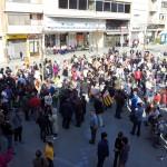 Prop de 500 persones es concentren a la Plaça de la Vila a favor de la vaga general