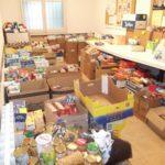 Càritas ha elaborat 70 lots de productes amb tots els aliments recollits // Parròquia de Molins de Rei