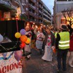 """Els membres de l'esplai Clariana es van disfressar de senyals amb """"Atenció! Circulin"""" // J. Julià"""