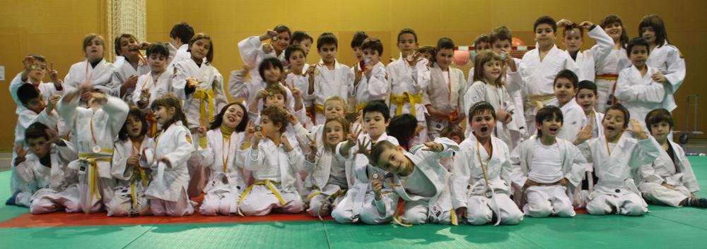 Una gran quantitat d'alumnes van gaudir del judo a Molins de Rei // CE Molins de Rei