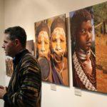 El fotògraf Jordi Llorens mostra les intimitats de les cultures tribals més remotes