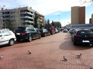 La rambla de la Granja es va convertir en un aparcament improvisat // Toni Zapata