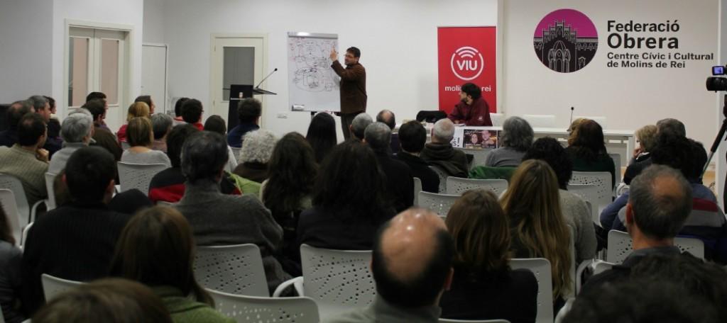 La sala d'actes de la Federació Obrera es va omplir per conèixer de primera mà la investigació de Cafe amb llet // David Guerrero