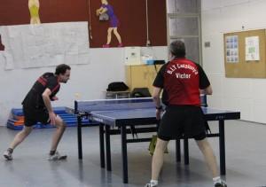 El Club Tennis Taula Atlètic Molins de Rei entrena al gimnàs de l'Alzina// Jose Polo