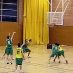 El masculí de bàsquet salva el descens directe després d'una victòria agònica