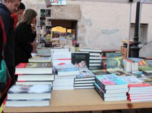 La Fira del llibre en català va tenir un bon ritme de vendes // Marta Pedrola