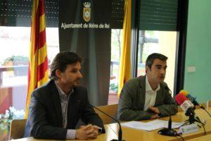 Xavi Paz (PSC) i Joan Ramon Casals (CiU) van anunciar els canvis al cartipàs municipal en roda de premsa a la sala de plens // David Guerrero