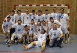 Els jugadors van celebrar el títol de lliga i l'ascens després del partit // Marta Pedrola