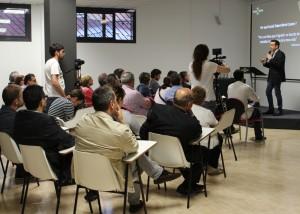 La inauguració es va realitzar a la sala de formació de Social Talent Work Center // Jose Polo