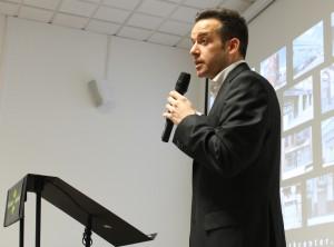 Juan Carlos Clemente, un dels fundadors de Social Talent Work Center, va ser l'encarregat d'explicar els detalls del projecte // Jose Polo