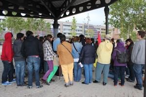 Una cinquantena de persones es van reunir per veure néixer a la PAH Molins // Marta Pedrola