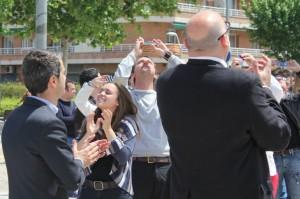 Joan Ramon Casals i Lluís Corominas van participar en l'enlairament de globus a la plaça de la Llibertat // David Guerrero
