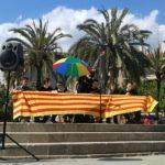A Forcades l'acompanyaven representants de partits polítics i moviments socials // Adrià Casaín