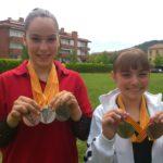 A l'esquerra Ona Massana, medalla de plata en la classificació general individual, plata en salt i bronze en barra. A la dreta Íngrid Caballero, or en terra i bronze en paral·leles // Club Gimnàs Molins de Rei