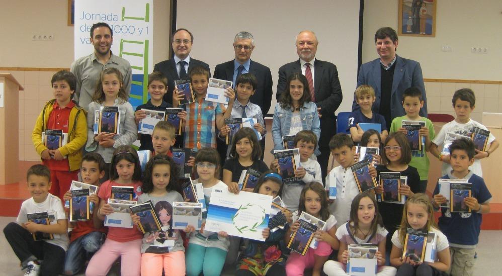 Alumnes, mestres i representants del programa educatiu han celebrat el premi a l'escola // BBVA