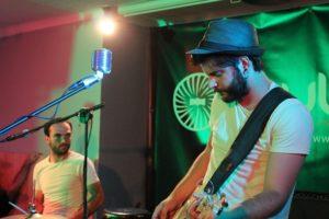 Gerard Tort a la bateria i Sergi Estella amb la guitarra formen Empty Cage // Jose Polo