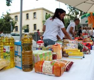 El 1r Refresc Solidari va recaptar més de 1.500kg d'aliments // Jose Polo