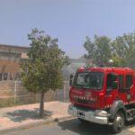 Extingit un incendi a la nau del costat del casal de joves La Mola