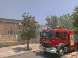 L'incendi ha tingut lloc a la nau del costat de La Mola // Jordi Julià
