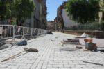El carrer Rafael Casanova segueix l'estètica de plataforma única del carrer Major // David Guerrero