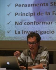 L'enginyer Pep Salas va fer una xerrada davant els alumnes // Ajuntament de Molins de Rei