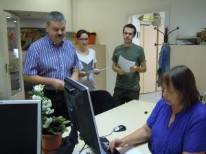 Arcas (Iniciativa), Guillén (Esquerres) i Castillo (CUP) presentant les al·legacions