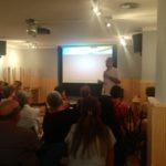 La xerrada de Jaume Funes va aplegar una cinquantena de persones. // Laura Herrero