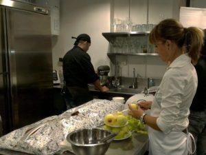 La pastisseria Arenas ha tancat les jornades amb un pastís de poma // Jordi Julià