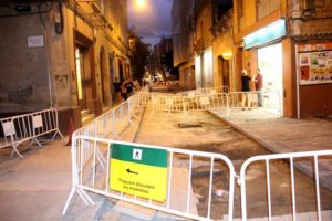 Just davant el carrer Boters comença el tram per acabar // Jordi Julià
