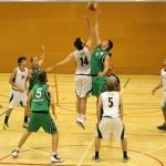 El joc interior castiga al masculí de bàsquet