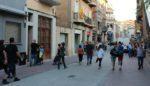 Els vianants són els autèntics protagonistes del nou carrer Rafael Casanova // David Guerrero