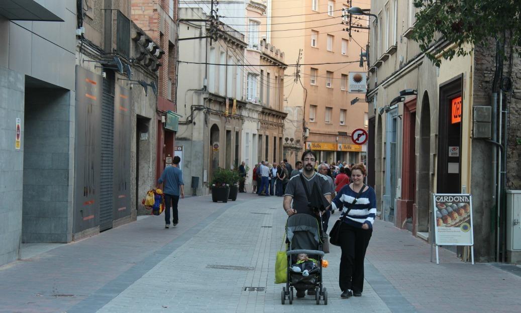 Potenciar el carrer Rafael Casanova com espai comercial i de passeig és un dels objectius // David Guerrero