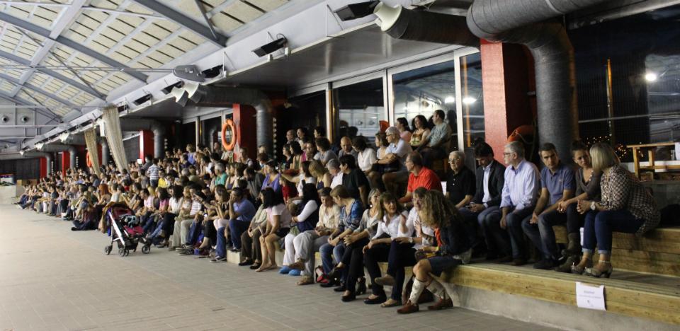 L'aspecte de la Piscina Municipal durant la presentació feia goig // Jose Polo