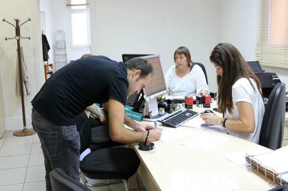 Les signatures van ser entregades a l'Ajuntament el passat dia 24 // Jose Polo