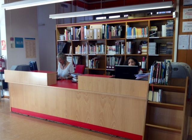 El mobiliari del punt d'informació també ha estat remodelat // Laura Herrero