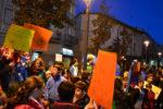 Els nens van fer una marxa pels carrers del Centre Vila amb pancartes // Elisenda Colell