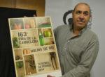 Marc Roca exhiveix el seu cartell, la nova imatge de la 163ª Fira de la Candelera. // Elisenda Colell