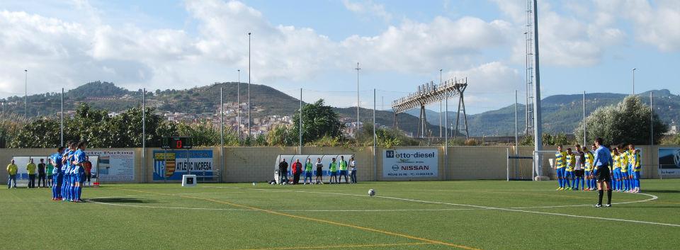 """Tots els camps de futbol català van guardar un minut de silenci en memòria de Nil Marín, porter del Girona """"B"""" // Alena Arregui"""