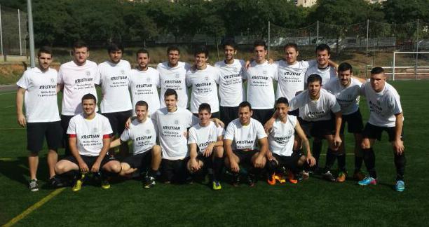 Bonic detall dels jugadors molinencs amb el seu company Cristian Dalmau // Adrià Casaín