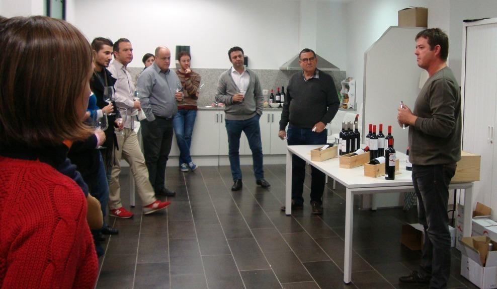 L'acte de l'Envinat de l'any 2013 va finalitzar amb la presentació i tast d'uns vins de la DO Montsant // Associació Molinenca de Tast