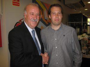 El creador de Fútbol Dinámico, Alberto Martínez, acompanyat de Vicente del Bosque, qui dóna suport al projecte // Fútbol Dinámico