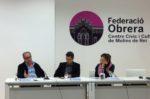 Rafael Grasa (a l'esquerra) va estar acompanyat a la taula de l'alcalde Joan Ramon Casals i la regidora Jessica Revestido // Laura Herrero